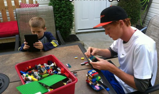 Kluft der Generationen, ipad, iphone, Lego, Tablet, Kinder, Eltern