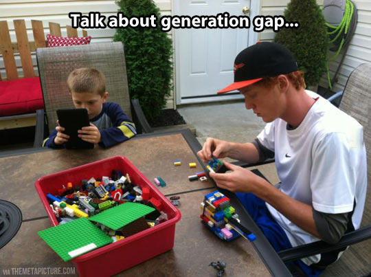 Kluft der Generationen, ipad, iphone, Lego, Tablet, Kinder, Eltern